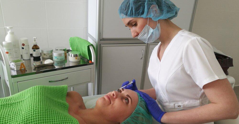 Скидки на коррекцию мимических морщин и омоложение кожи